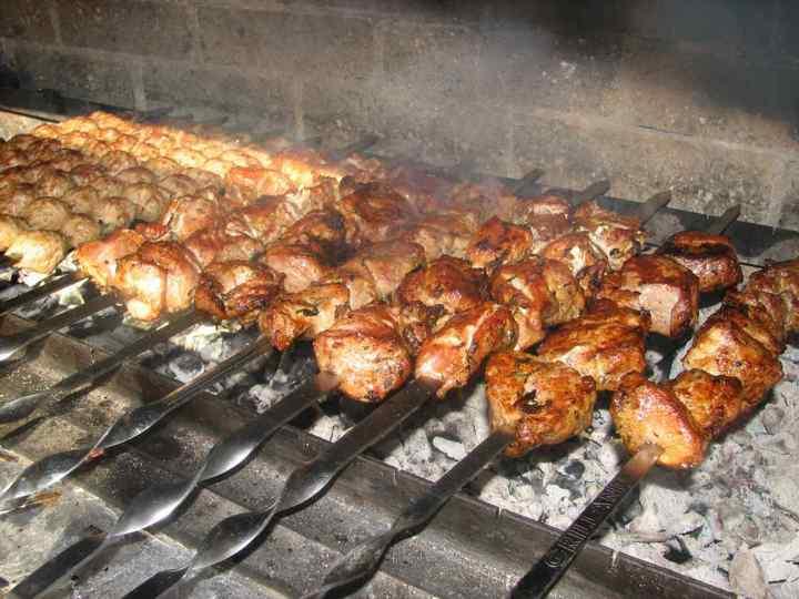 Рецепт маринаду для шашлику, розказав мені родич-вірменин. Через 40 хвилин м'ясо готове!
