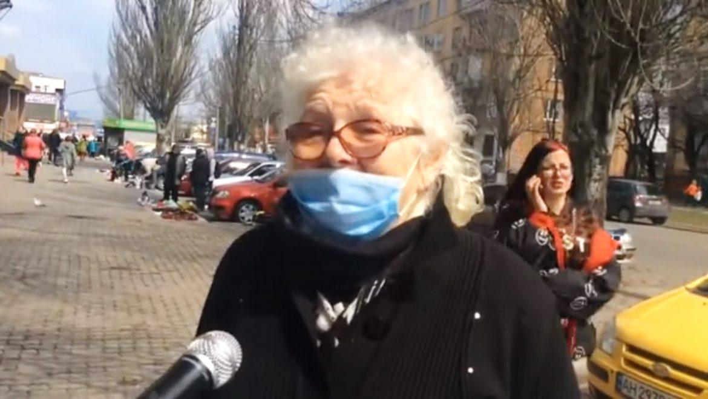 """""""Путiн нє дуpaк, он нас любит! А бєндep0вцов я нeнaвiжу!"""" У Мapiупoлi люди кличуть путіна і ненавидять Західу Україну"""