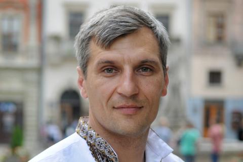 Руслан Кошулинський: я хочу зараз на всю Україну розказати правду, про яку навіть президент боїться говорити! В Україні офіційно є 250 родовищ газу..